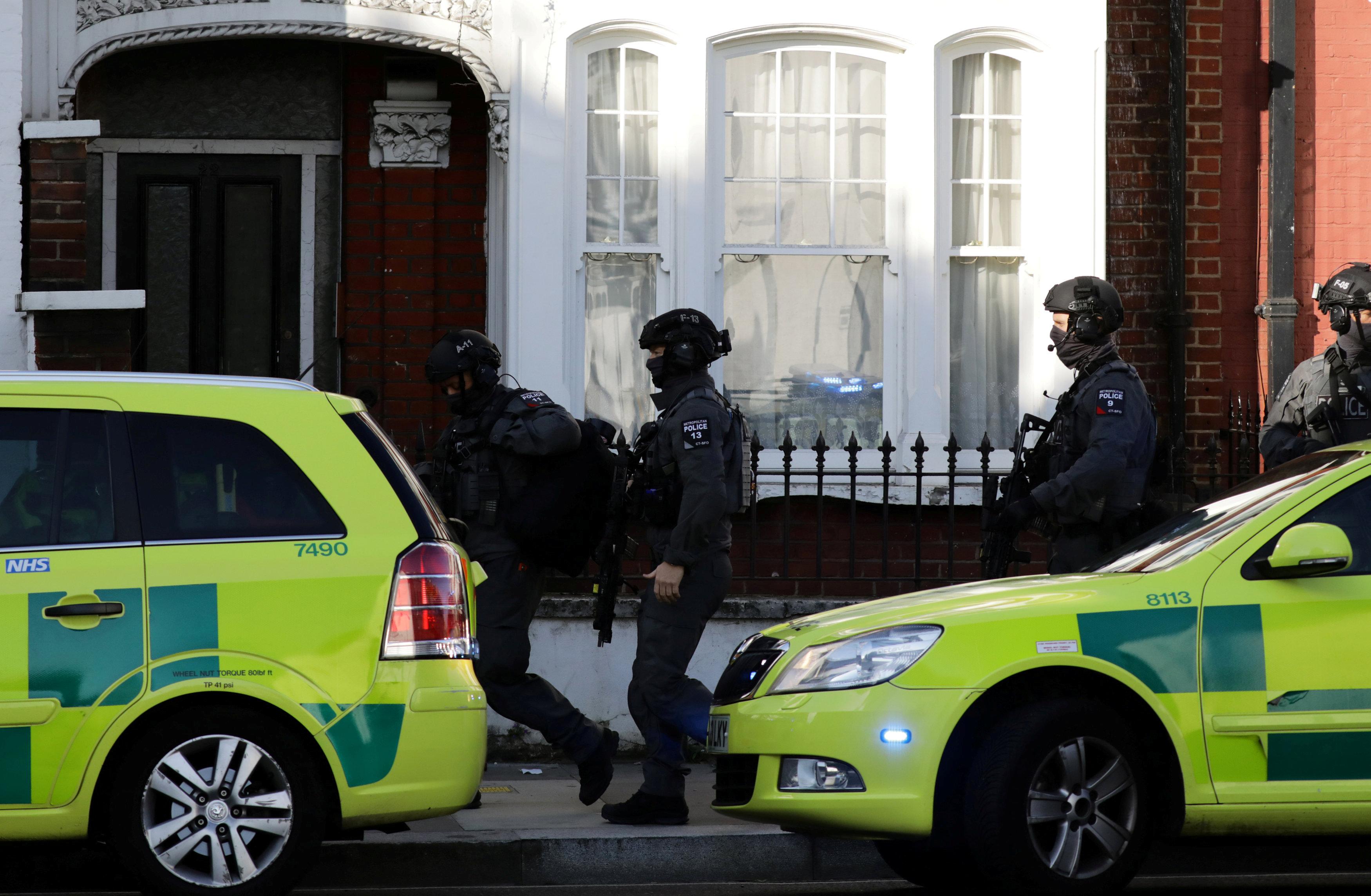 گروه تروریستی داعش مسئولیت بمبگذاری در مترو لندن را بر عهده گرفت؛ افزایش سطح هشدار امنیتی در بریتانیا