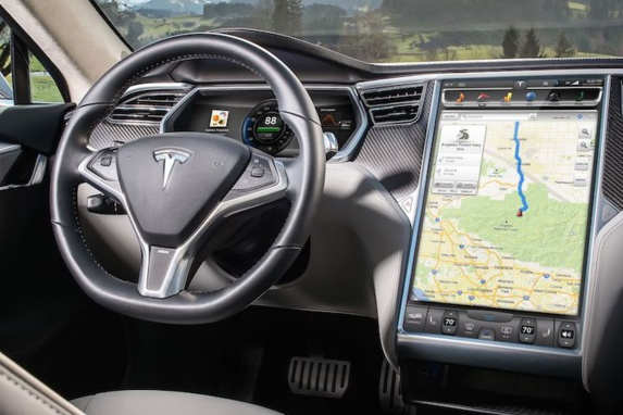 نفوذ اینترنتی به ماشینها؛ هکرها در کمین خودروهای هوشمند