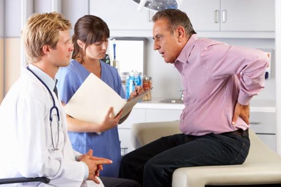 کمردرد چیست؟ علل و علایم کمردرد؟ چگونگی پیشگیری و درمان کمردرد؟