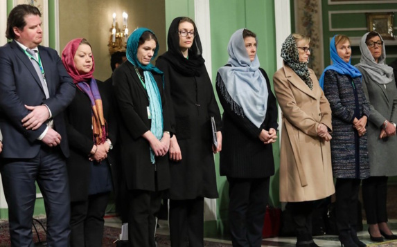 انتقاد از وزیر سوئدی بخاطر حجاب در ایران