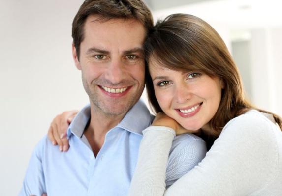 رفتار زنان و مردان در ورود به اتاق