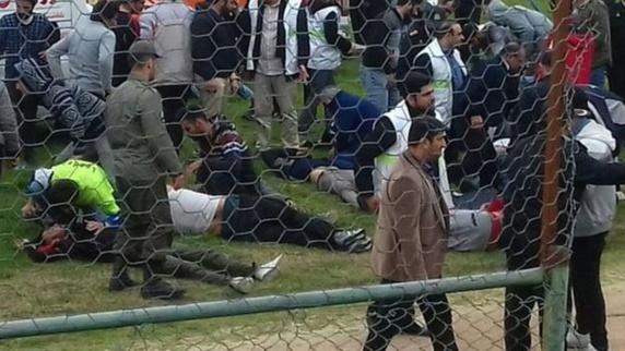 پایان بازی فوتبال نیمه تمام به دلیل درگیری میان هواداران شهرآورد مازندران