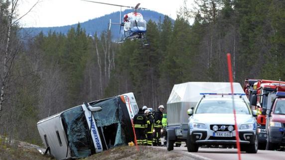 3 کشته و مجروح شدن 23 دانش آموز دیگر در اثرحادثه واژگونی اتوبوس در سوئد