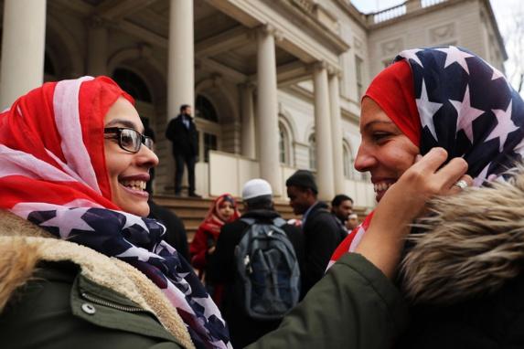 دبیرکل اتحادیه جهانی مسلمانان: ممنوعیت روسری در غرب قانونی است