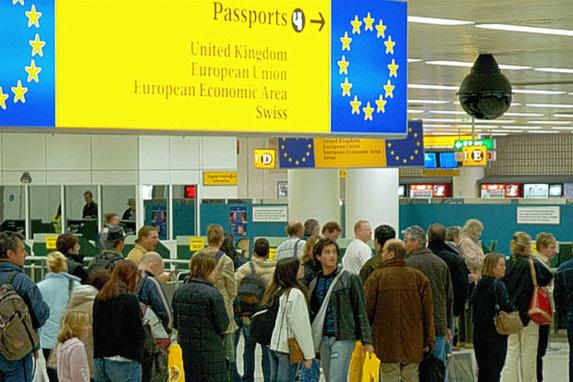 کاهش 50 درصدی مهاجرت به انگلیس