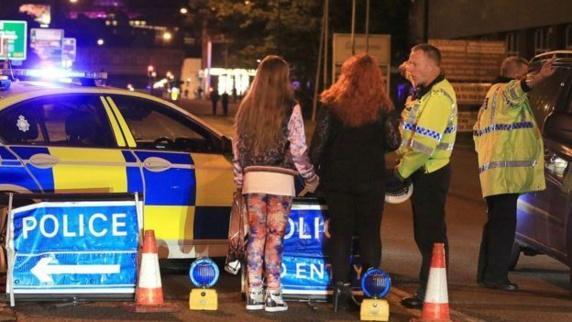 دهها کشته و زخمی در انفجاری در سالن کنسرتی در منچستر