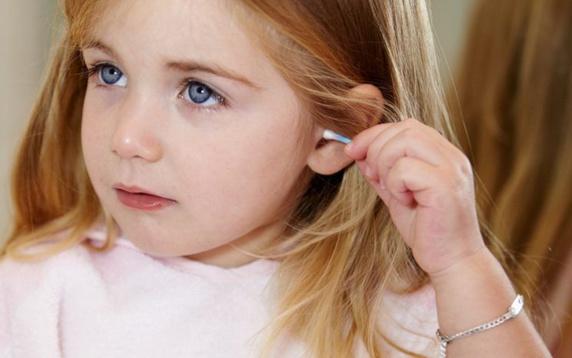 خطر استفاده از گوش پاکن در سلامتی گوش