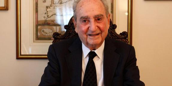 کنستانتین میتسوتاکیس نخست وزیر پیشین یونان در سن 99 سالگی درگذشت