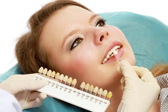انواع ایمپلنت دندان و عوارض آن