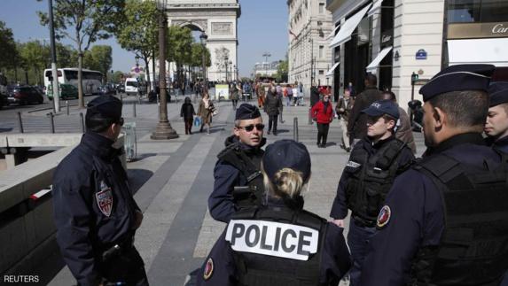 در راستای مبارزه با تروریسم، فرانسه از وضع قوانین جدید خبرداد