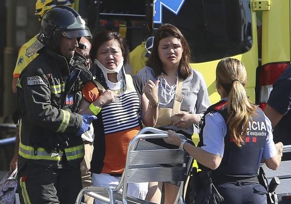 حمله تروریستی با خودرو به عابران در بارسلون اسپانیا