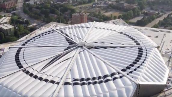 ورزشگاه مرسدس بنز برای رقابت های فوتبال آمریکایی به زودی افتتاح خواهد شد+ تصویر