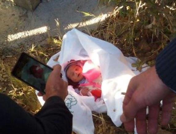 پیدا شدن نوزادان رها شده در کنار سطل های زباله بیمارستان ها در ایران + تصاویر
