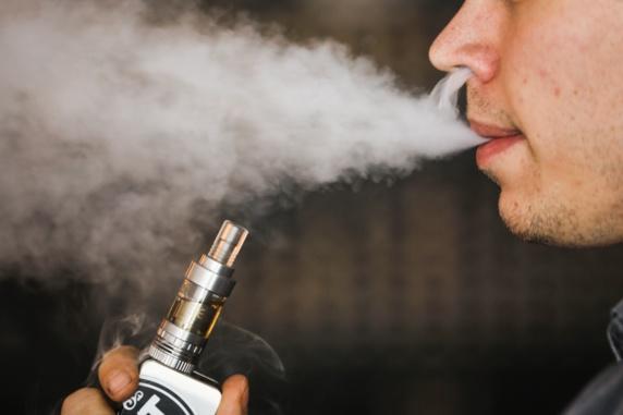 فواید و عوارض سیگارهای الکترونیکی