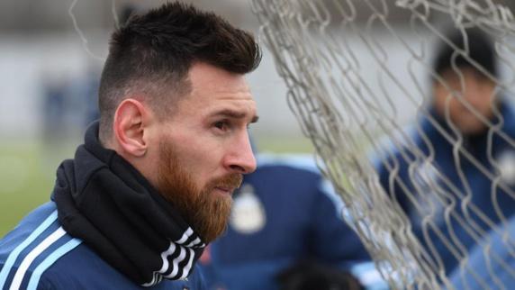 لئو مسی: امیدوارم فوتبال بدهی من را تسویه کند!