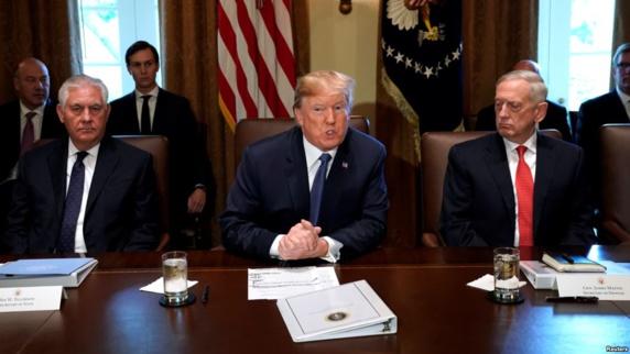 تصمیم ترامپ در مورد ادامه تعلیق تحریمهای ایران احتمالا جمعه اعلام میشود