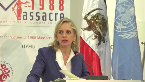 خانم کریستی بریملو، رئیس کمیته حقوق بشر انگلستان و ولز از سخنرانان این مراسم بود.