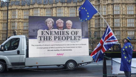 اقدام اعتراضی مخالفان خروج بریتانیا از اتحادیه اروپا