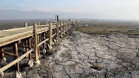 فاجعه محیط زیستی در کمین 20 میلیون نفر با خشكى دریاچه ارومیه