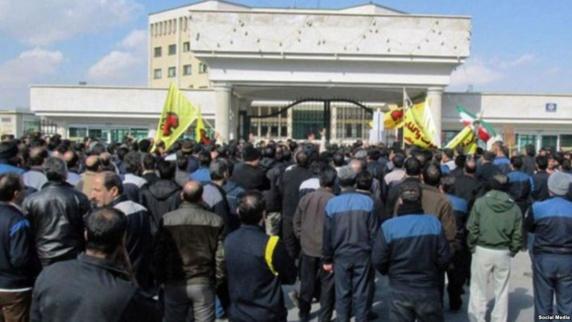 یکی از کارگران هپکو در جریان تجمع اعتراضی اقدام به خودکشی کرد