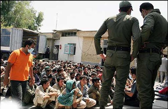 «برخورد ظالمانه با مهاجران افغان به ضرر ایران است»