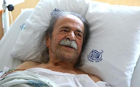 محمد علی کشاورز در بیمارستان بستری شد