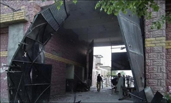 حدود 400 زندانی طالبان از بازداشتگاهی در پاکستان فرار کردند