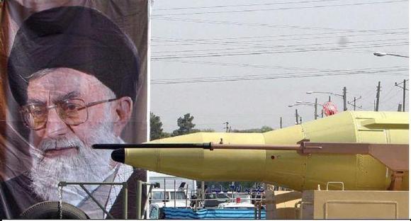 نقش رهبر ایران در تصمیم برای دستیابی به سلاح هستهای
