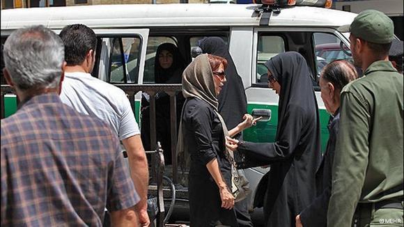 """آغاز دور جدید طرح برخورد با """"بدحجابی"""" در ایران"""