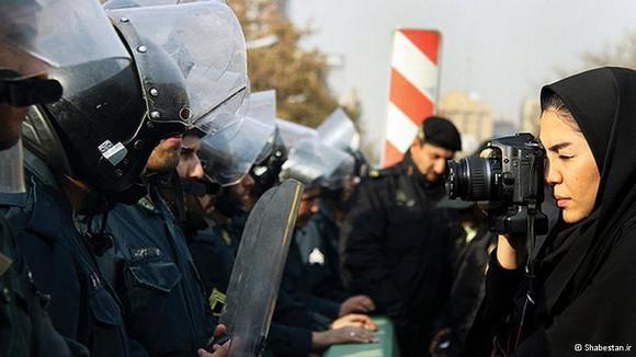 """""""افزایش کنترل دستگاههای اطلاعاتی بر رسانههای خارجی در ایران"""""""