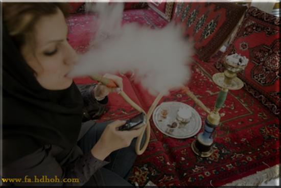 قلیان، زیر ابرو و تقلب: بر جوانان ایرانی چه می گذرد؟