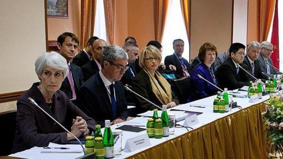 اشتون: مذاکرات ۱+۵ و ایران در سطح فنی ادامه مییابد