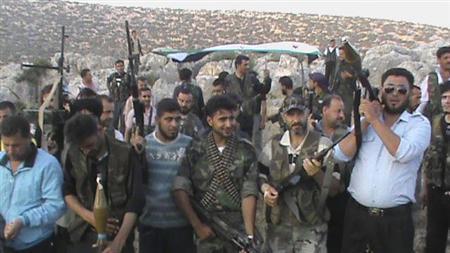 یک ژنرال و دهها نظامی سوریه به ارتش آزاد پیوستند