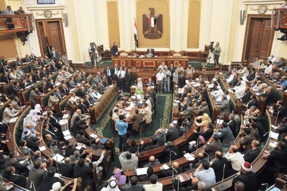 بالا گرفتن جنگ قدرت در مصر در پی تشکیل جلسه پارلمان