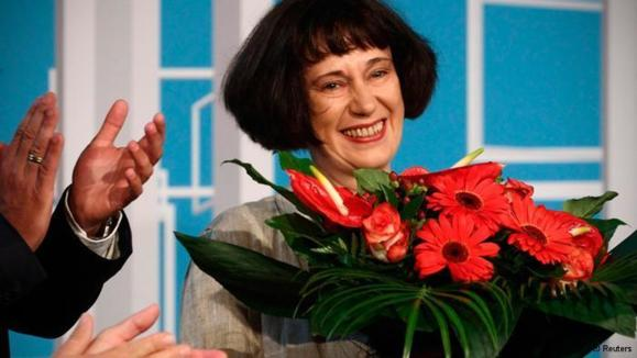 """جایزه """"اینگهبورگ باخمن"""" برای نویسنده روس"""