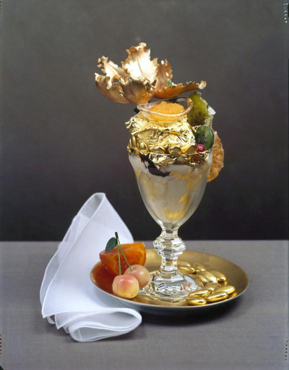 در تهران فروشنده بستنی طلایی غرامت میلیاردی دریافت می کند