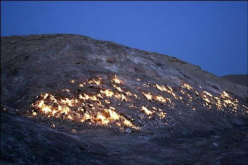 کوهی که همیشه می سوزد