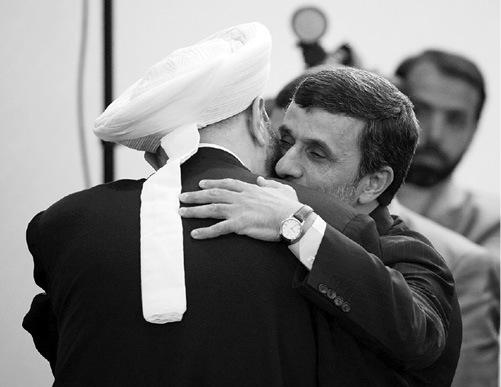 احمدی نژاد  رئیس جمهور ایران و احمد حسون آخوند مزدور و حامی بشار اسد