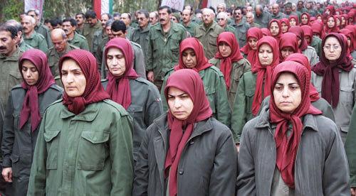 نيروهای ارتش عراق و مجاهدين خلق در اردوگاه اشرف با يکديگر درگير شدند