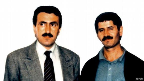 همایون اردلان (راست) و فتاح عبدلی، از رهبران حزب دمکرات کردستان ایران که در ترور میکونوس به قتل رسیدند.
