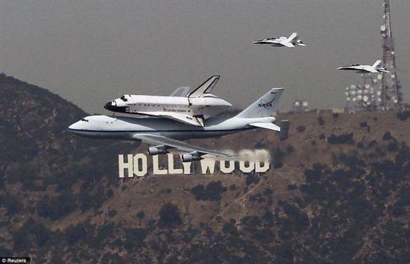 عکس/ تصاویر دیدنی از حمل فضا پیمای Endeavour به جایگاه ابدی خود در لوس آنجلس