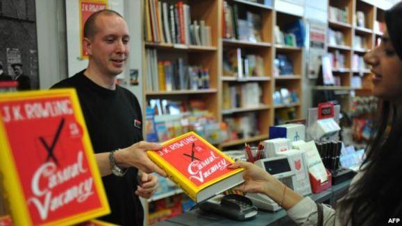 ورود خالق هری پاتر به دنیای کتابهای بزرگسالان