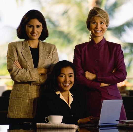 چرا زنان کمتر در عرصه تکنولوژی کار میکنند؟