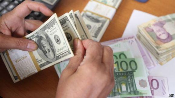 نماینده مجلس: توزيع پنج ميليارد دلار ارز تقلبی در ايران