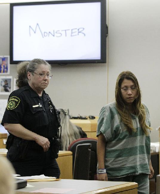 نود ونه (۹۹) سال زندان برای مادر کودک آزار در امریکا