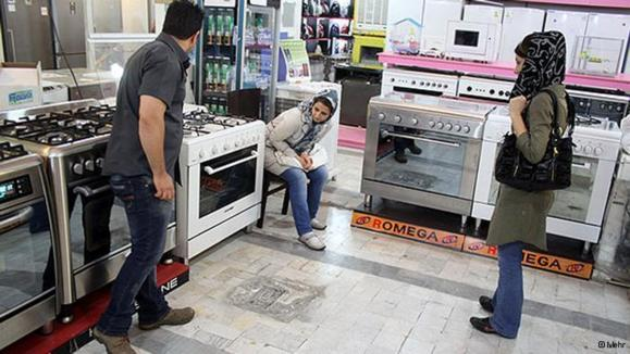 نگرانی و هراس در فضای مجازی فارسی از تأثیر تحریمها