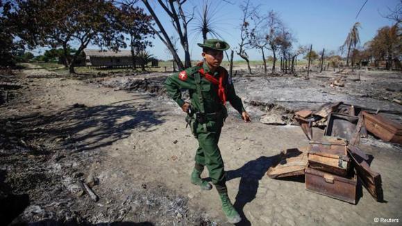 مقامات دولت برمه میگویند اوضاع را زیر کنترل دارند، اما برخی اخبار حاکی از ادامه درگیری میان بوداییان و مسلمانان است