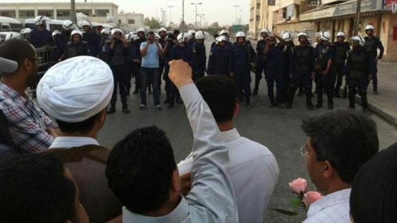 دولت بحرین از بازداشت چهار مظنون به بمب گذاری روز دوشنبه در منامه خبر داد