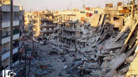 گوشهای از ویرانیهای شهر حمص؛ بشار اسد حاضر به رفتن از کشور نیست