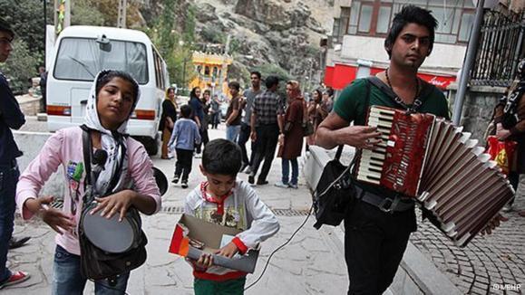 مشوقهای بیشتر حکومت ایران برای افزایش جمعیت